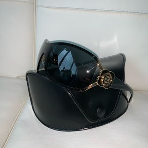 CHANEL sunglasses with logo